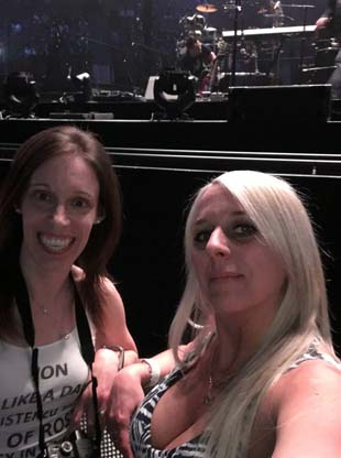 Marie-Hélène Cyr and Sandra Coussa front row before the Bon Jovi show in Montreal, Quebec, Canada (May 18, 2018)